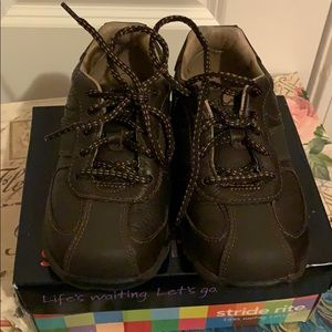 Stride Rite Chase Dk Brown Lea Kids Shoes 9 1/2 XW